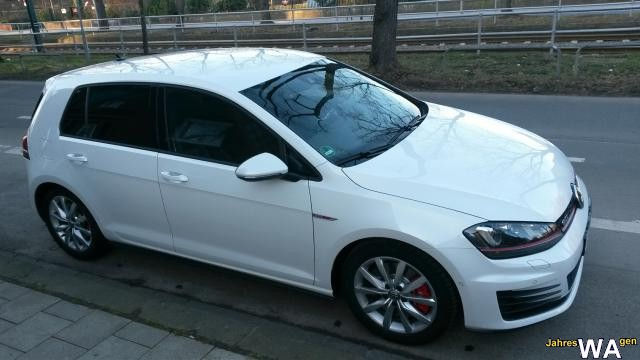 euro f r einen volkswagen golf lim jahreswagen mit 17000 km. Black Bedroom Furniture Sets. Home Design Ideas